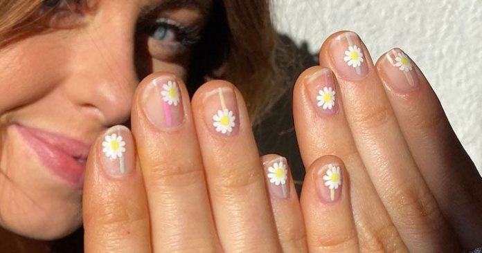 Why Your Next DIY Manicure Should Have Flowers