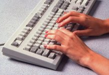 "Covid-19 ""long-haulers"" find a community online"
