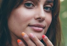 Summer Half-Dips Are The Next Big Thing In Nail Art