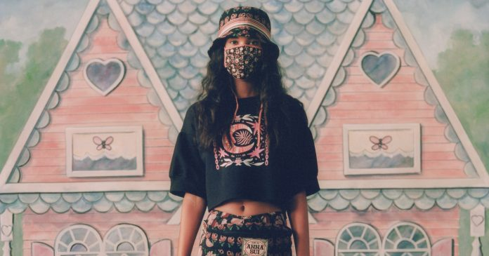 Face Masks Are Getting A Fashion-Forward Twist At NYFW