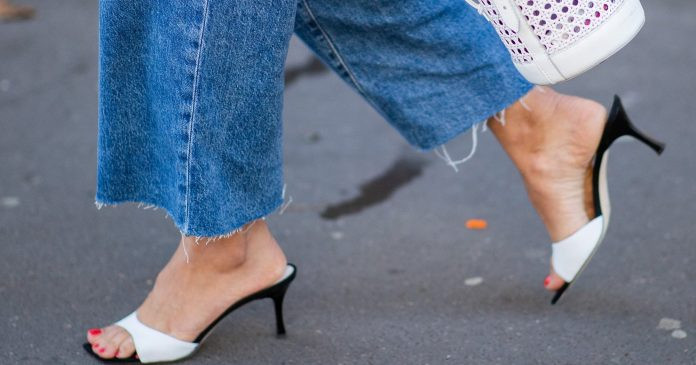 10 Nail Polish Shades That Are Perfect For This Weekend's Fall Pedicure