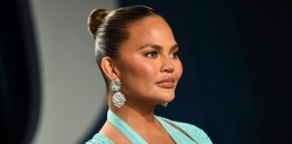 Chrissy Teigen Explains Why She Shared Photos Of Her Pregnancy Loss