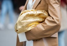 8 Sparkly Gold Nail Shades To Wear From Now Through NYE