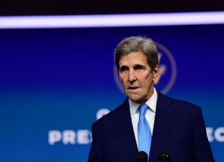 John Kerry promises US climate change diplomacy won't lead to weaker China policy