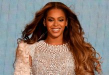Beyoncé's Grammys Look Proves That The Little Black Dress Never Goes Out Of Style